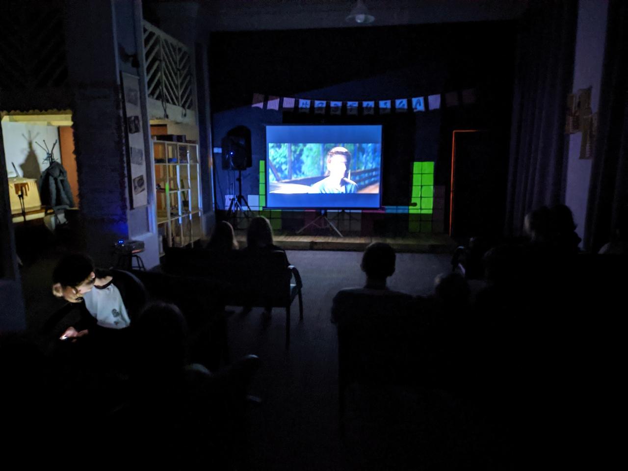 Фильм о популярности в сети показали в «Зале ожидания»